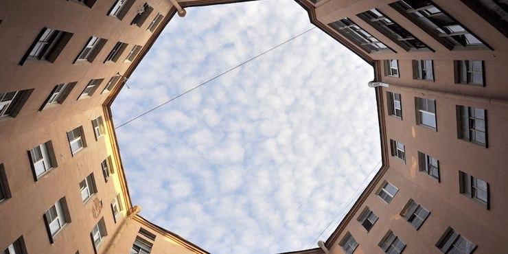 Двор-восьмиугольник